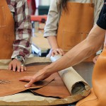 Куски дубленой кожи от кожевенной фабрики Horween