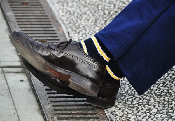 Туфли Long Wing Blucher Shell Cordovan, полосатые носки Corgi