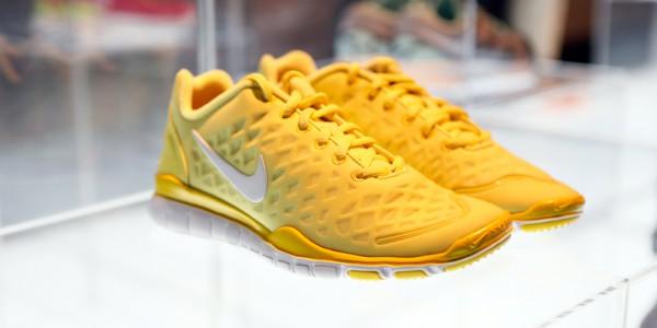 Желтые кроссовки Nike Free