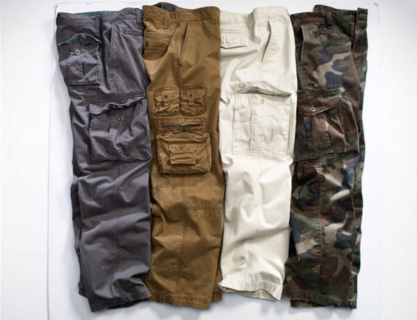 Мужские брюки-карго с накладными карманами