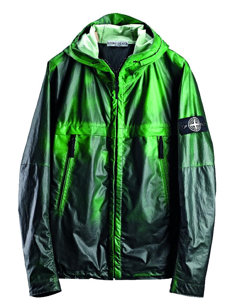 Куртка Stone Island Heat Reactive Jacket охлаждаясь меняет цвет