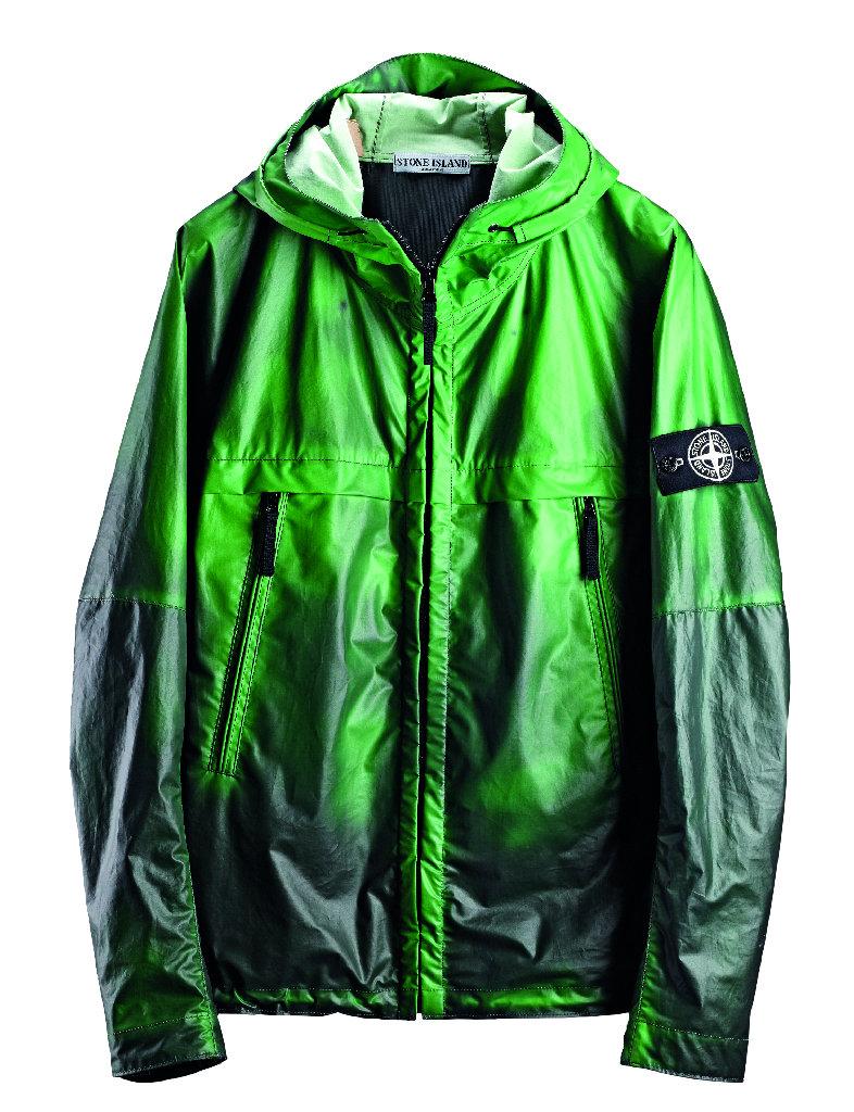 Куртка Stone Island Heat Reactive Jacket меняет цвет нагреваясь