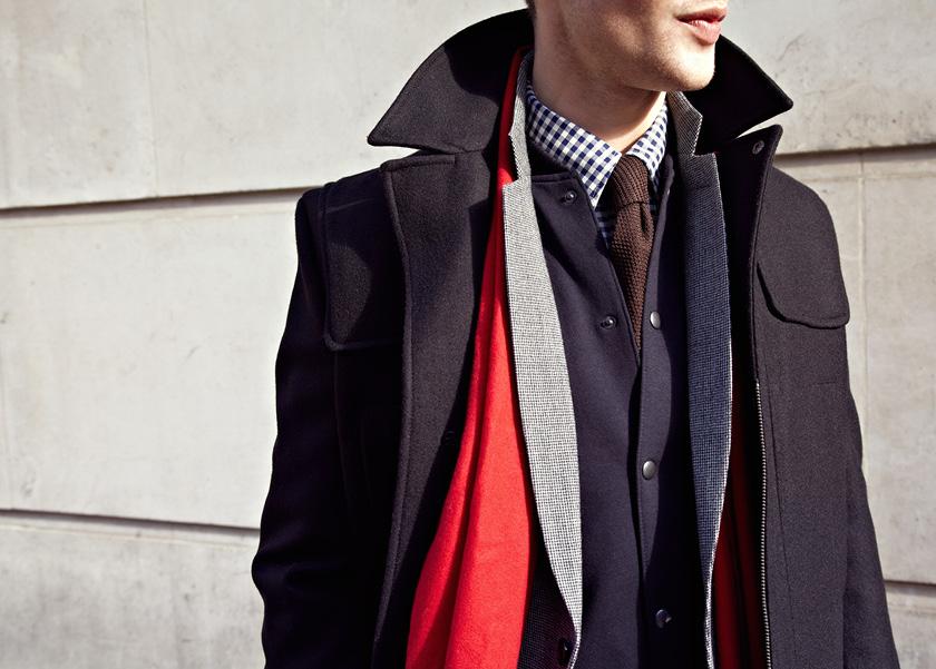 Мужчина в пальто, пиджаке, жакете и рубашке, все Reiss