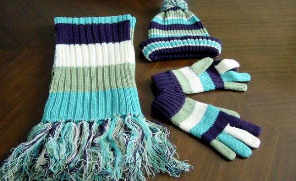Мужской зимний комплект: шапка, шарф и перчатки
