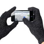 Айфоном можно пользоваться в перчатках Mujjo