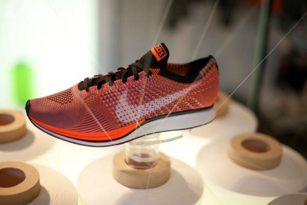 Кроссовки для спорта Nike HTM Flyknit Racer оранжевые