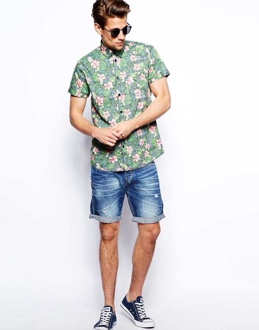 Мужчина в гавайской рубашке с коротким рукавом, Jack Jones