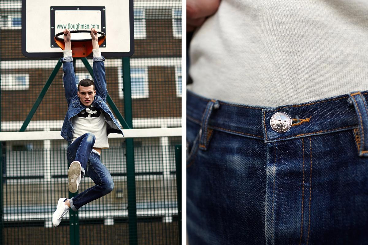 Мужчина в потёртых джинсах из raw-денима и джинсовой куртке, A.P.C.