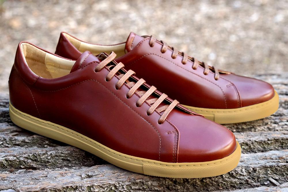 Кроссовки из кожи кордован Epaulet Shell Cordovan коньячного цвета Cognac