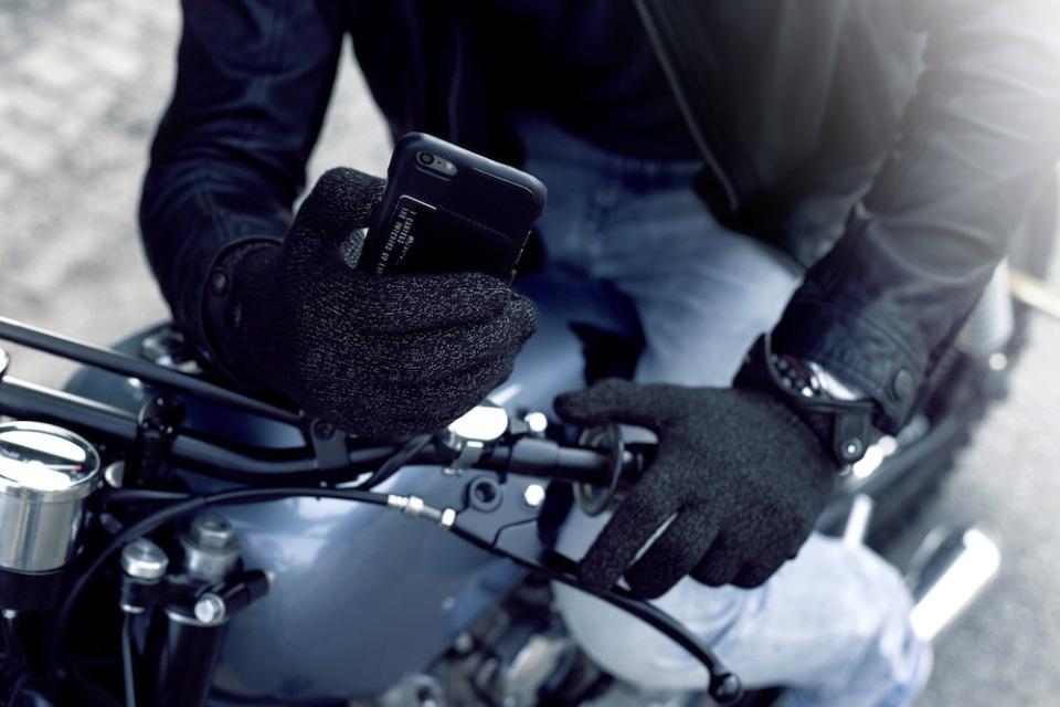 Зимние перчатки для работы с iPhone / iPad
