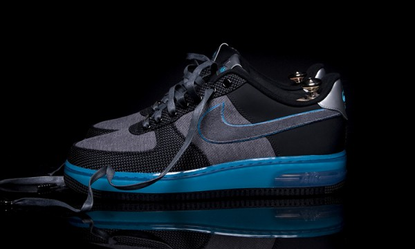 Профиль кроссовок Nike Air Force 1 x Marcus Troy