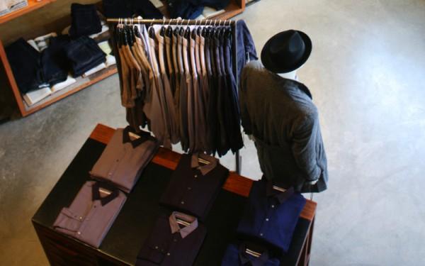 Интерьер американского магазина мужской одежды BlackBird