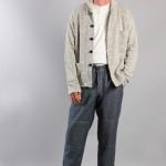 Мужской кардиган и джинсовые брюки, Universal Works