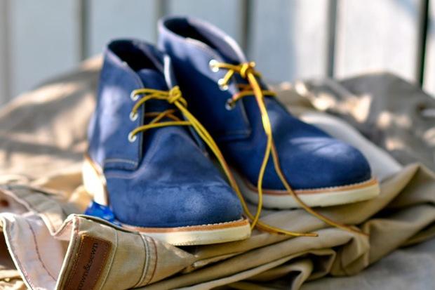 Мужские ботинки chukka Red Wing Shoes из синей замши и с желтыми шнурками