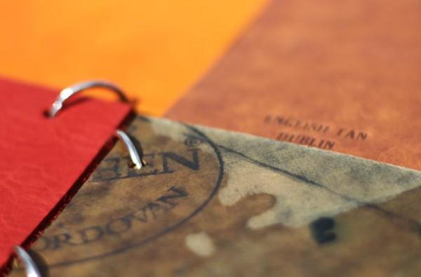 Штамп Horween на обратной стороне куска кожи Cordovan