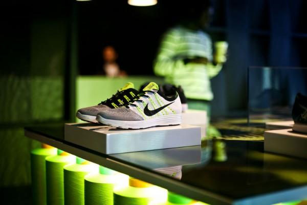 Мужские тренировочные  кроссовки Nike HTM Flyknit Trainer+
