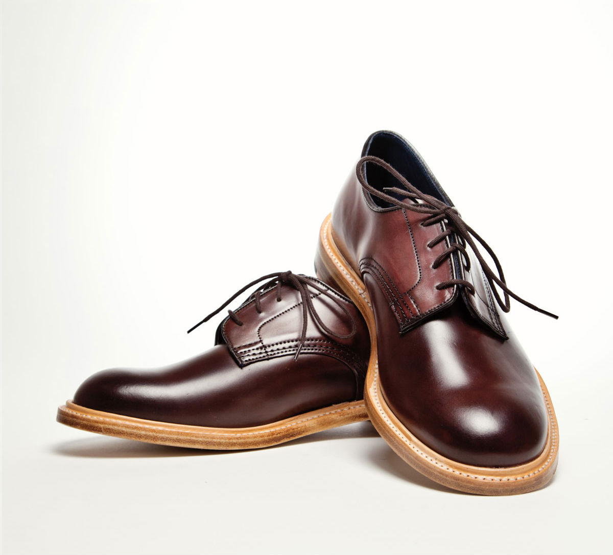 Мужские туфли Tricker's из коричневого итальянского кордована от Comipel