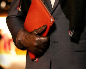 Мужские перчатки из кожи Loro Piana