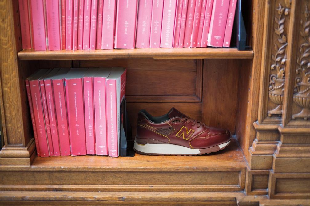 Классические кроссовки New Balance N998WD Horween желтовато-коричневые кожаные