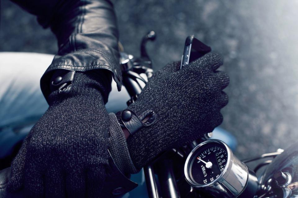 Мужские перчатки для работы с iPhone / iPad зимой