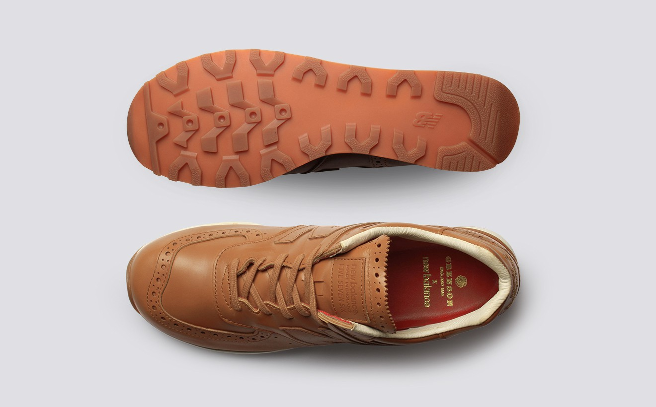 Кожаные кроссовки New Balance с красными кожаными стельками
